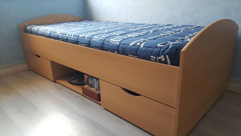 chambre enfant lit + armoire+bureau Mobilier enfants