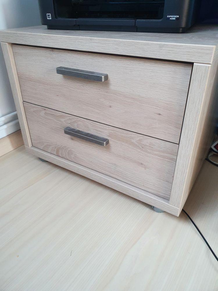 Chambre enfant lit, armoire table de chevet Meubles