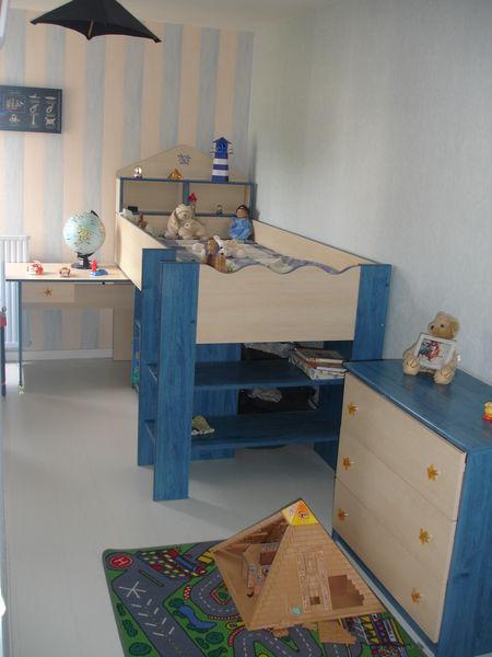 CHAMBRE ENFANT : lit bureau bibliothèque + armoire 430 Lorient (56)