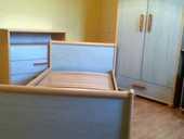 Chambre pour enfant avec un bureau en bon état 139 Pocé-les-Bois (35)