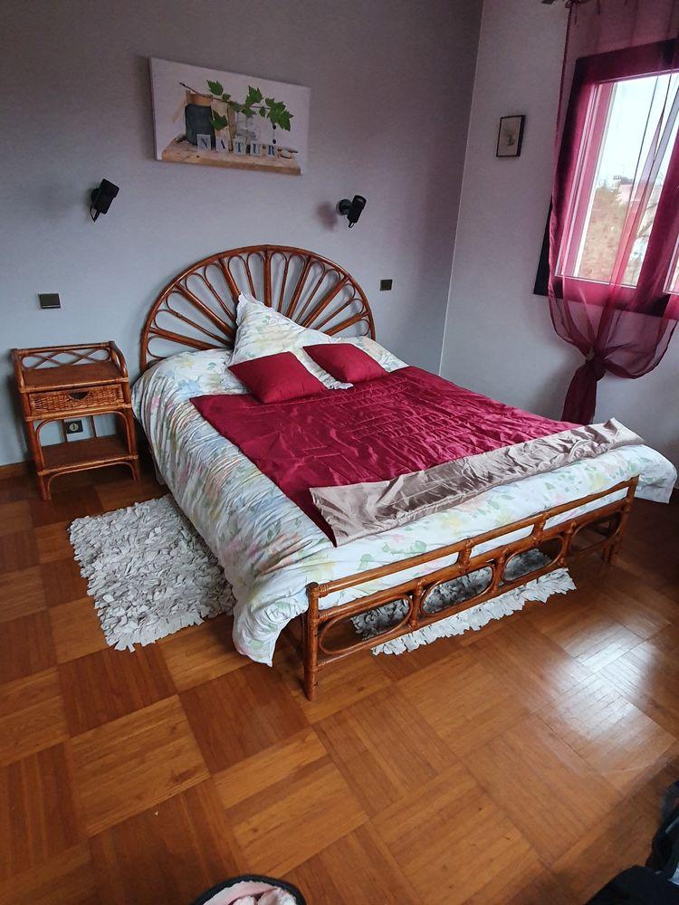 Chambre en rotin 4 pièces, Lit, chevet, armoire, chaise 400 Pessac (33)