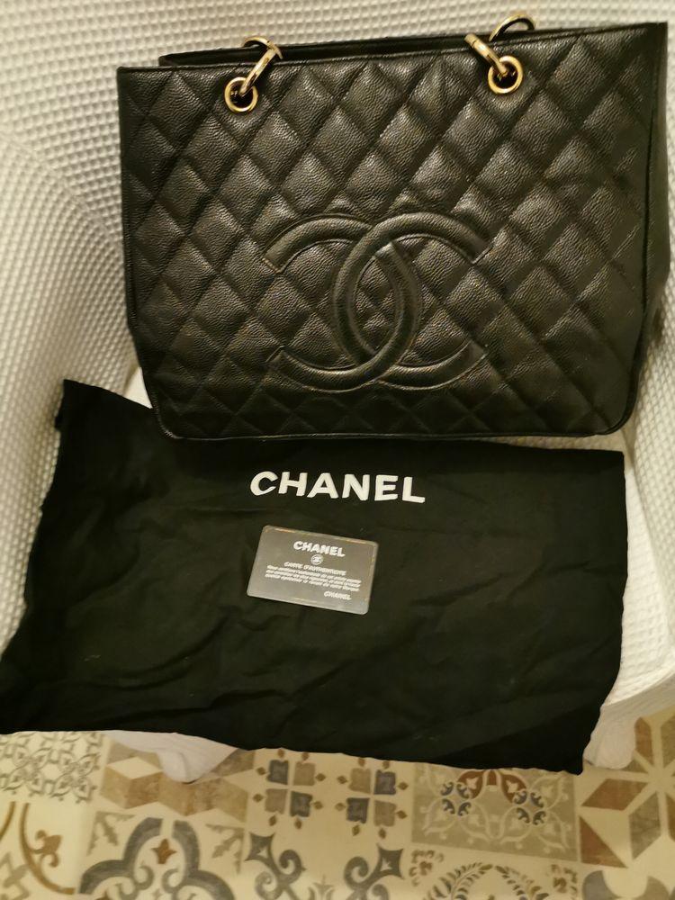 Sac Chanel shopping  1900 Foix (09)