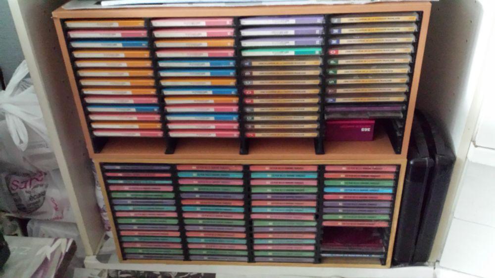102 CD Chansons Françaises, meuble de rangement compris 0 Gonesse (95)