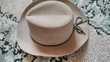 Chapeau de Cow Boy pour adulte cuir-daim beige T59 Electroménager