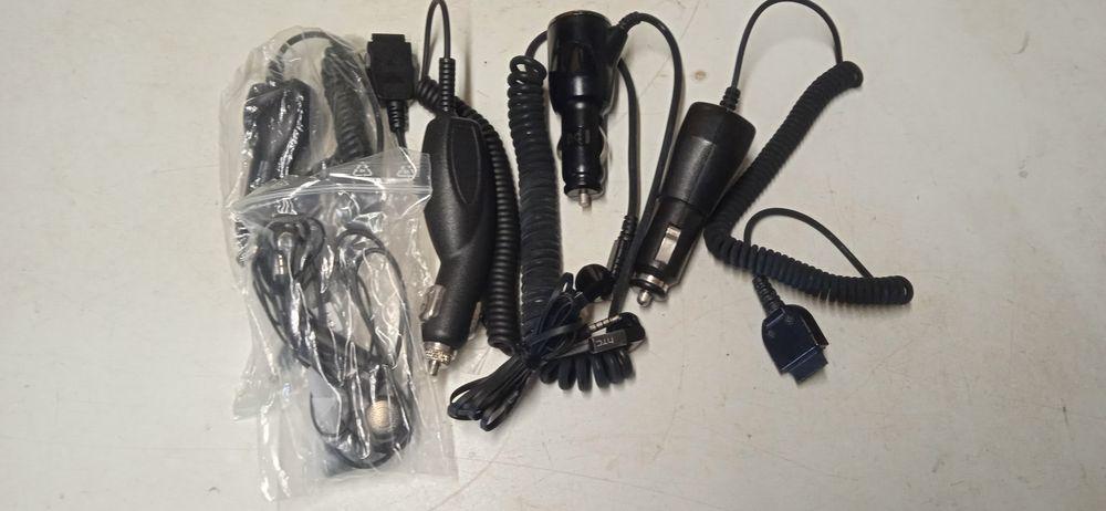 Chargeur téléphone et écouteur  15 Cahors (46)