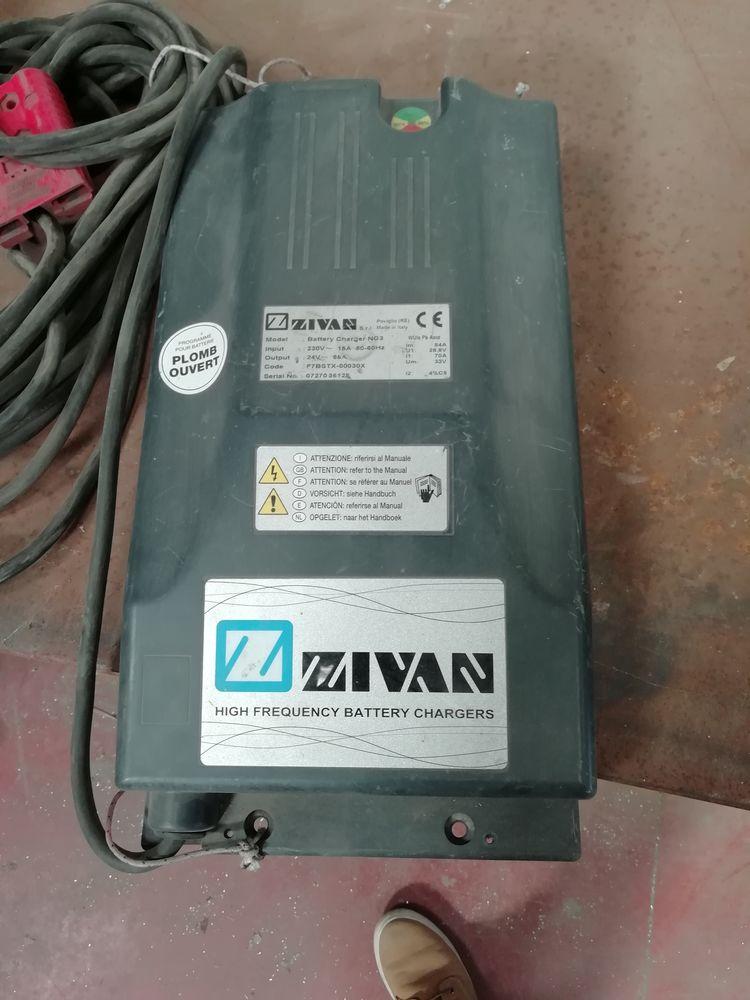 Chargeur ZIVAN NG3 24V 85A 250 Teyran (34)