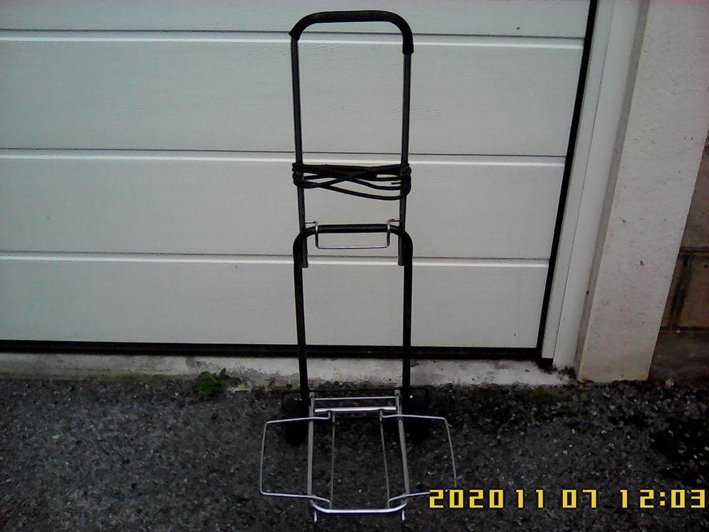 Chariot porte-valise, excellent état.   13 Noailhac (81)