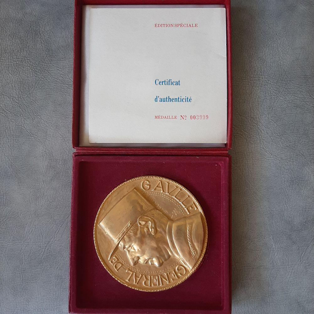 Charle de Gaulle collection  400 Langon (33)