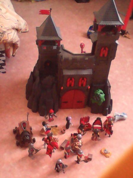 Château du dragon rouge playmobil 50 Montataire (60)