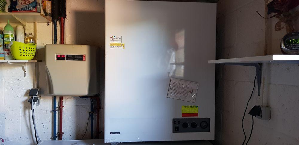 Chaudière gaz FRISQUET hydroconfort ventouse 80/450 0 Lamballe (22)