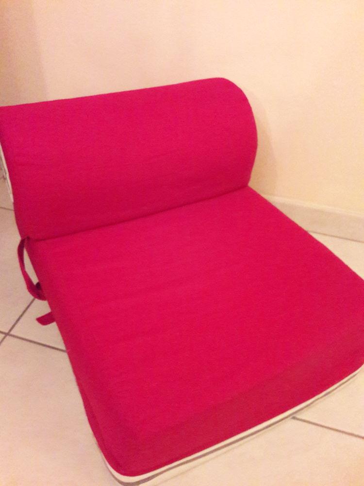 chauffeuse enfant d occasion plus que 2 75. Black Bedroom Furniture Sets. Home Design Ideas