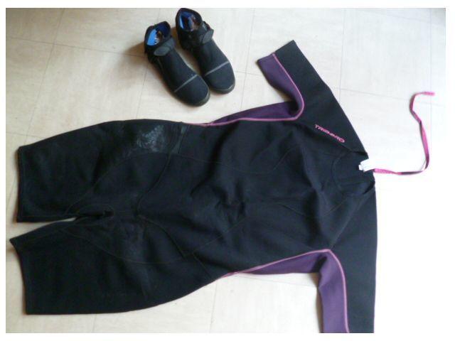chaussons antidérapants, combi plongée + combi Rockrider  30 Martigues (13)