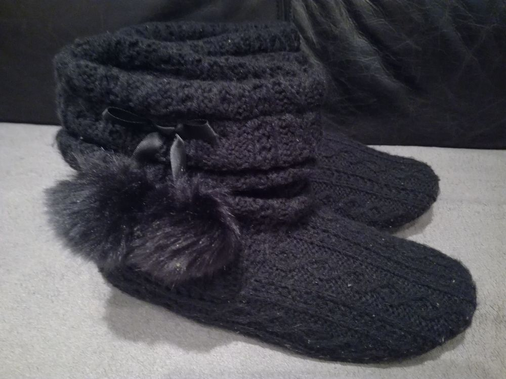 CHAUSSONS ISOTONER NOIRS 20 Toulon (83)