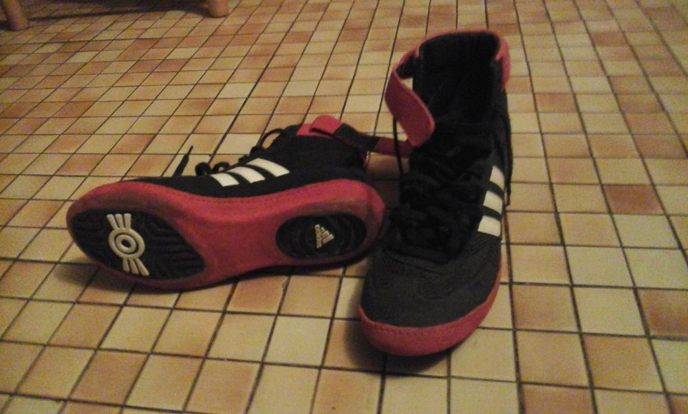 chaussure ADIDAS 25 Coulommiers (77)
