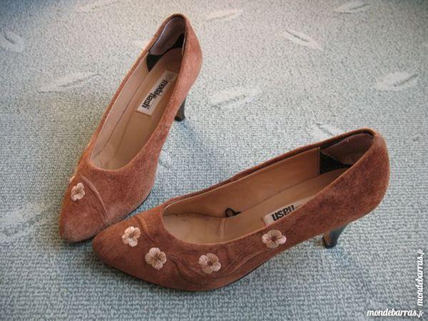 Chaussure en daim marron - P39 9 Antony (92)