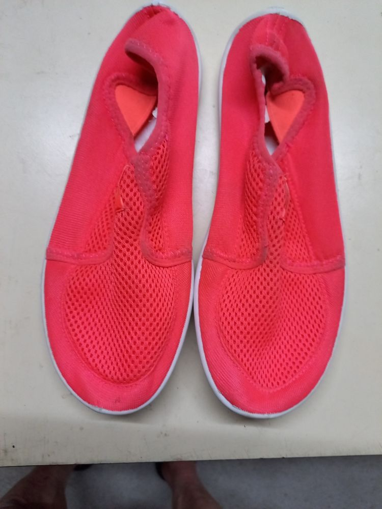 chaussure enfant plage bon état 10 Carquefou (44)