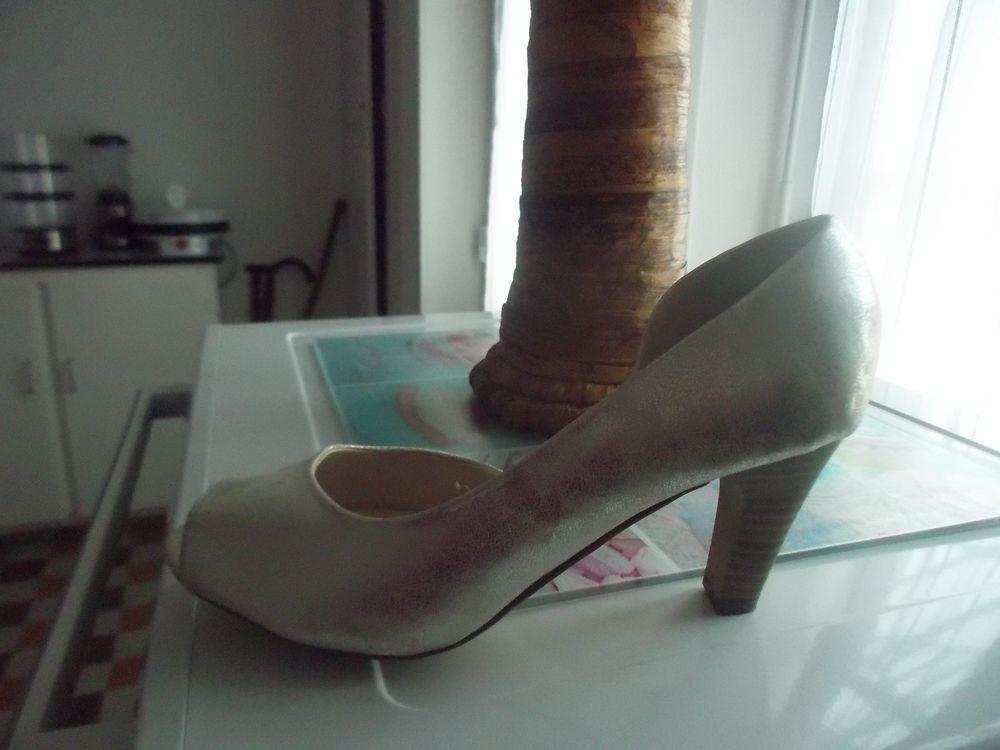 chaussure femme 15 Saint-Agnan (71)