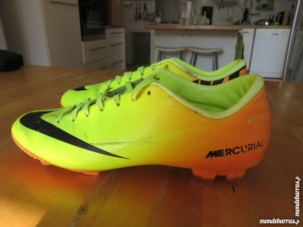 quality design 1bcfe bfa0d Chaussure de foot Nike Mercurial T42 Chaussures