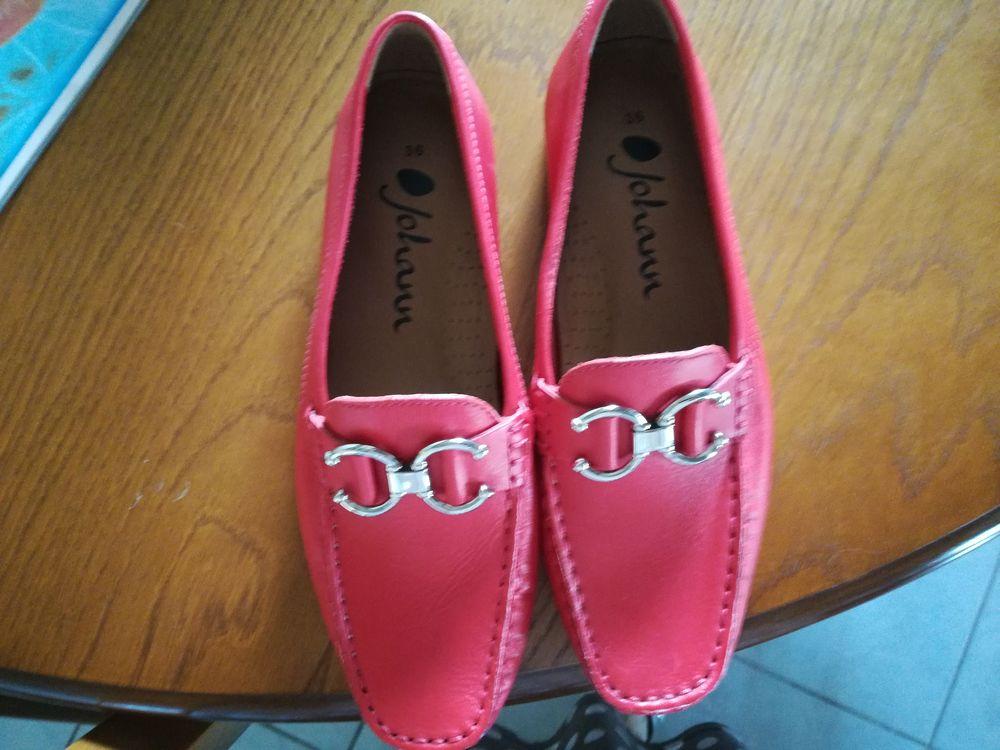 chaussure johann taille 36 couleur rouge 40 La Mothe-Achard (85)