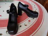 chaussure noire T40 15 Mantes-la-Ville (78)