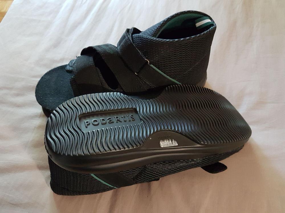 Chaussure orthopédique noire pour diabétique homme 30 Romainville (93)