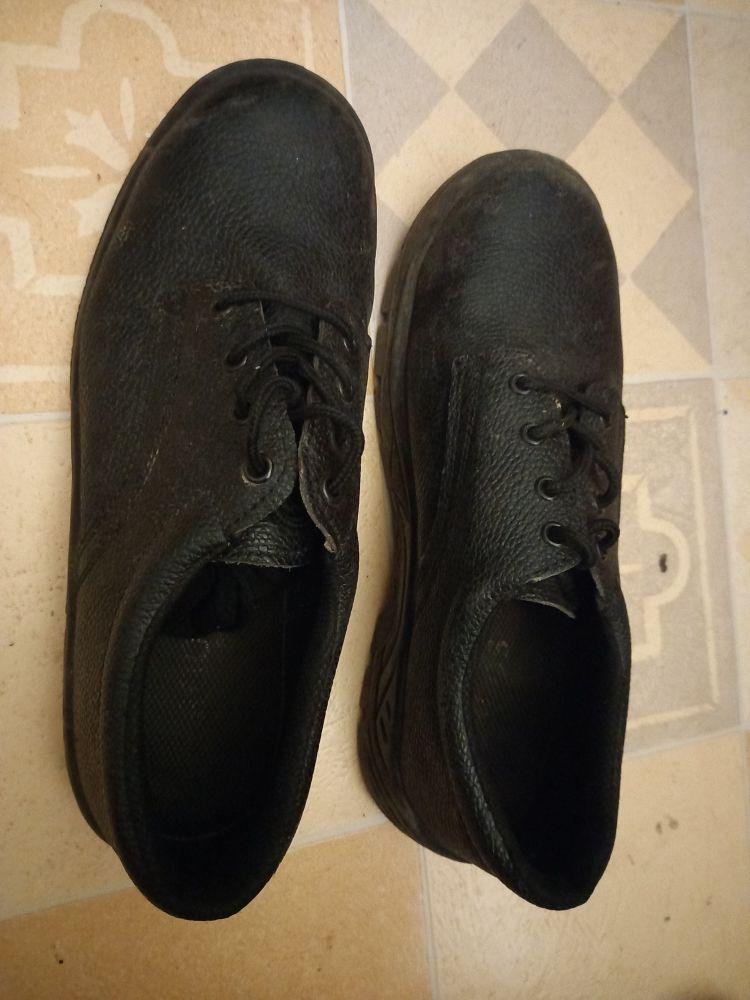 chaussure de sécurité n° 45 15 Paris 17 (75)
