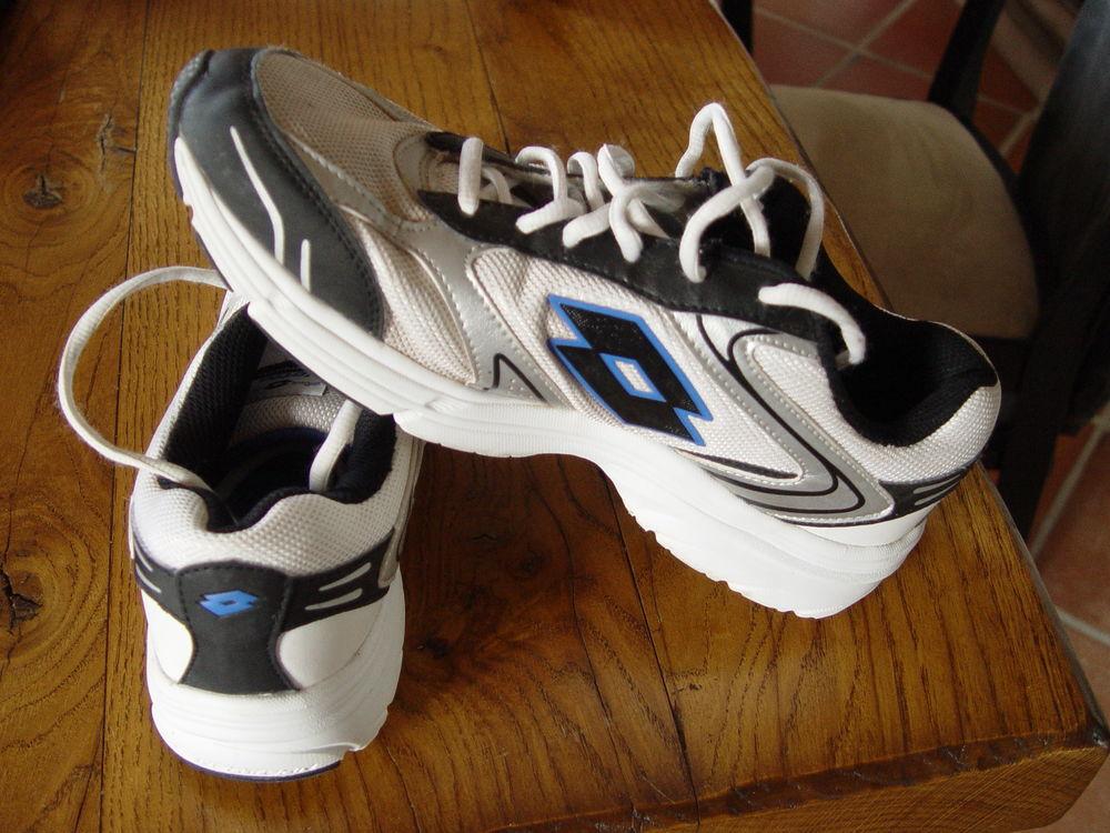 Chaussure sport / basket T43 25 Saulnières (28)