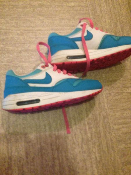 chaussure sport nike fille