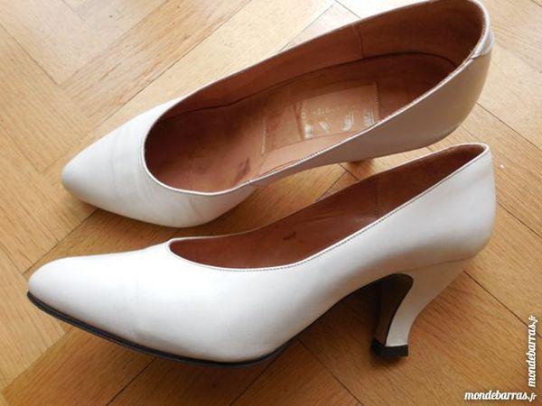 Chaussures blanches en cuir T39 10 Rueil-Malmaison (92)
