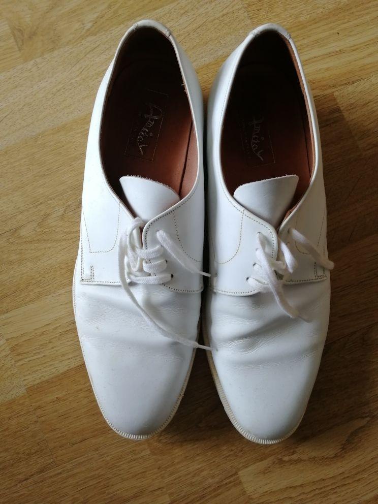 Chaussures blanches de ville 10 Dole (39)