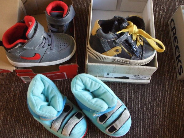 CHAUSSURES,CHAUSSONS,BASKETS  3 Cazères (31)
