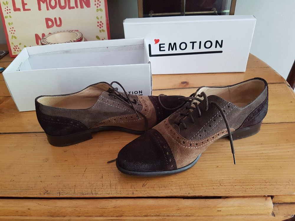 Chaussures Derby Bis by Perlato en cuir et daim marron Chaussures