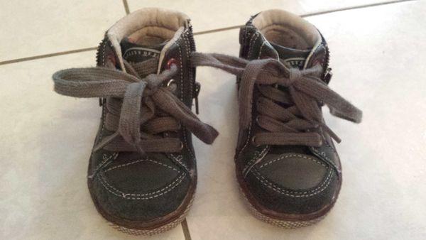 nouveau style cd3e6 d626d Chaussures enfant cuir neuves pointure 22