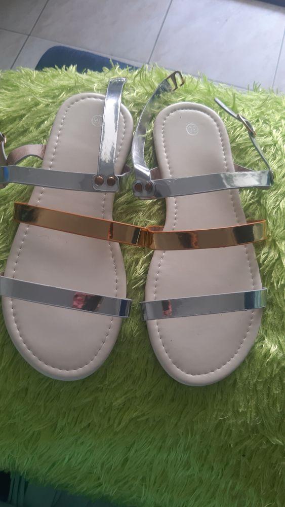 Je des chaussures enfantd voici ce qui reste 25 Martinique (97)