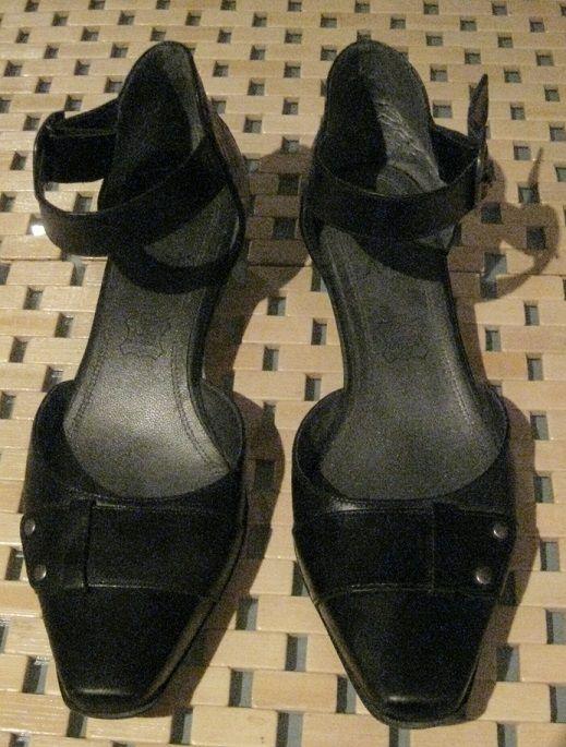 Chaussures femme en cuir 19 Toulon (83)