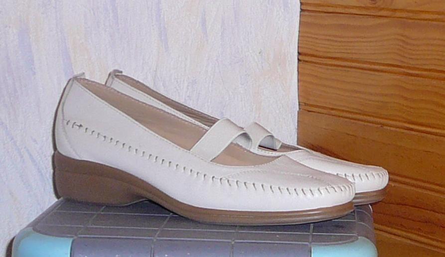 Chaussures femme, Gémo, pointure 39-40, blanc-beige, NEUF  5 Lens (62)