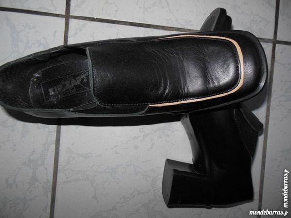 CHAUSSURES FEMME NOIRES NEUVES Chaussures