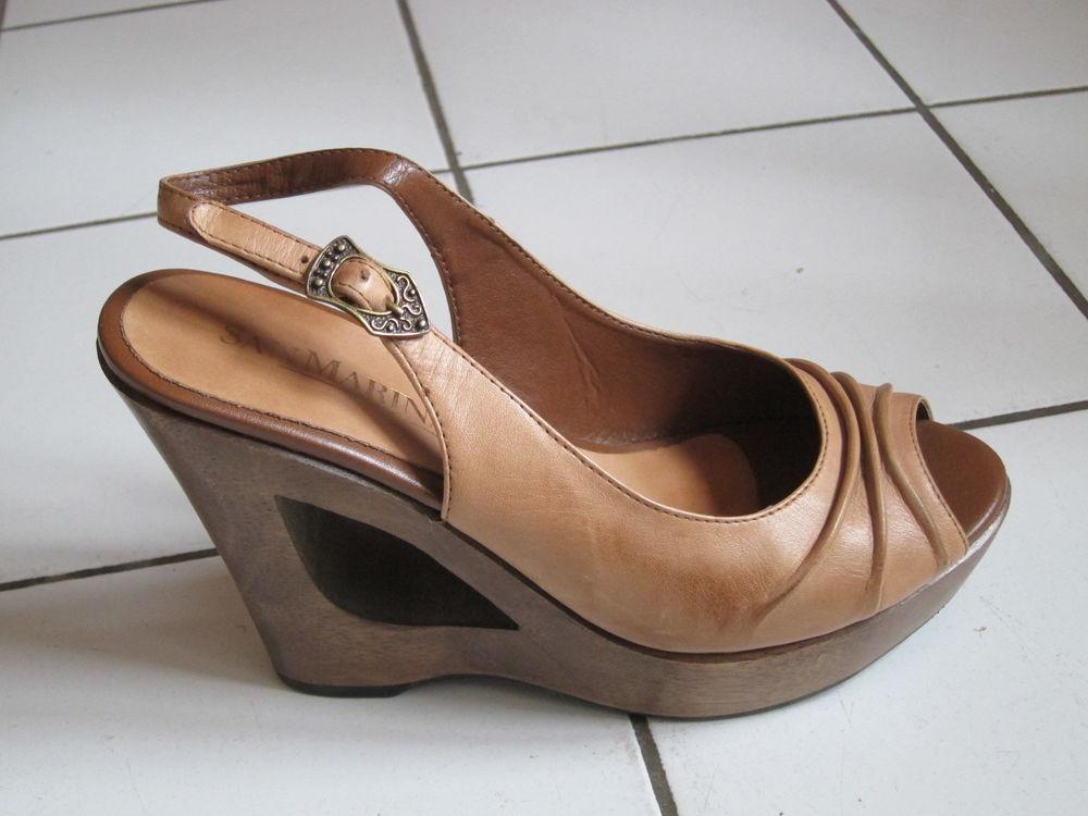 Chaussures femme semelle bois T 37 0 Paris 20 (75)