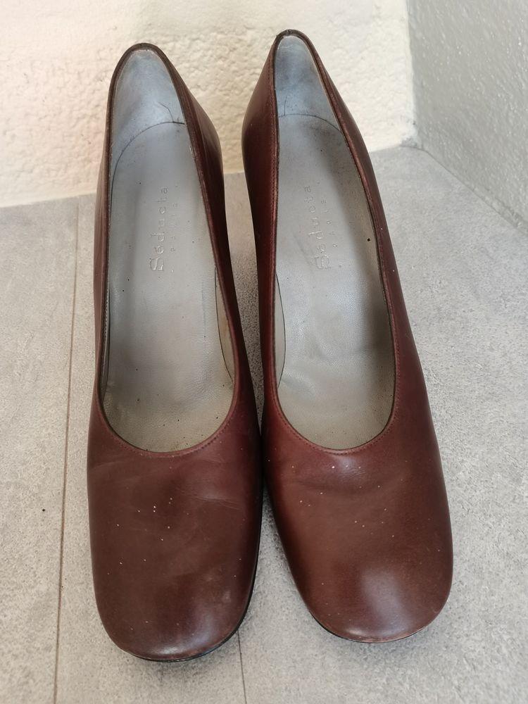 Chaussures femme tout cuir à talons  5 Magny-le-Désert (61)