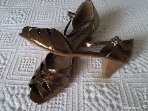 CHAUSSURES FEMME 8 Cuers (83)
