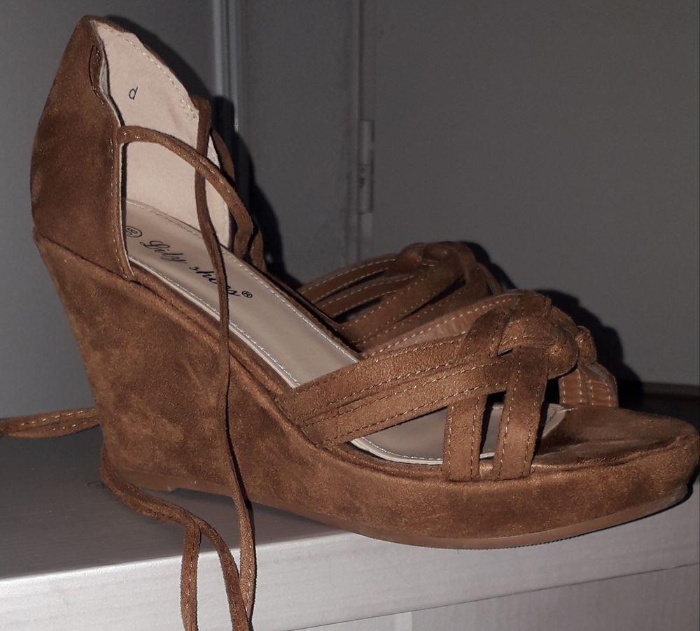 chaussures femme 20 Villeneuve-lès-Avignon (30)