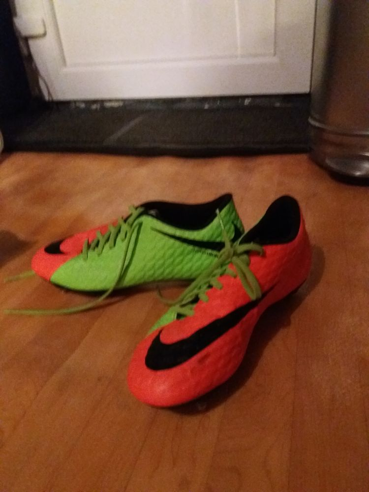 Chaussures foot 80 Gorcy (54)