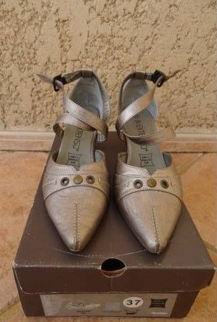 Chaussures grises Chaussures