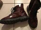 chaussures hautes vernie Grenat  P. 38 20 Saint-Genis-Laval (69)