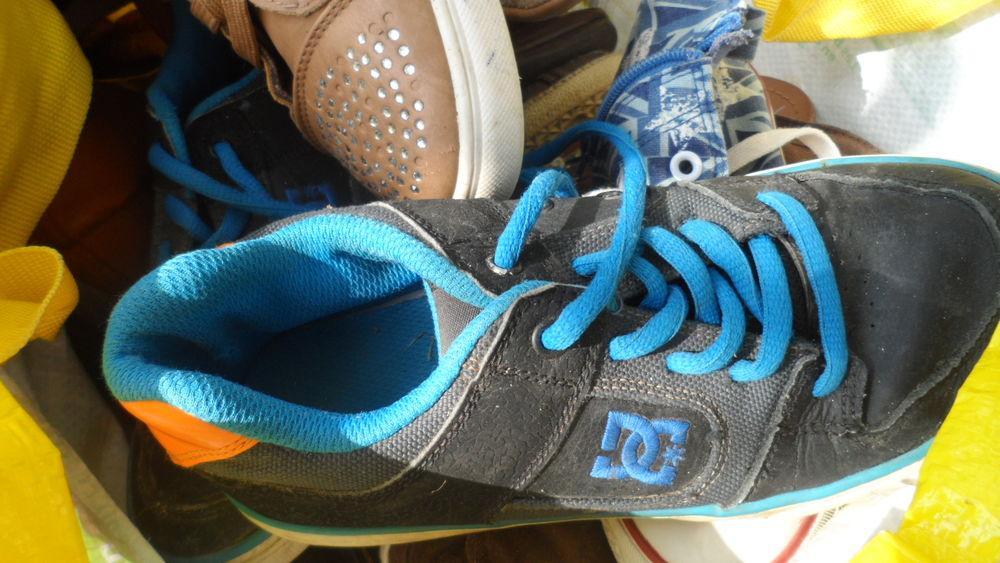 Lot de chaussures Homme Femme Enfant différente pointure  45 Uchaux (84)
