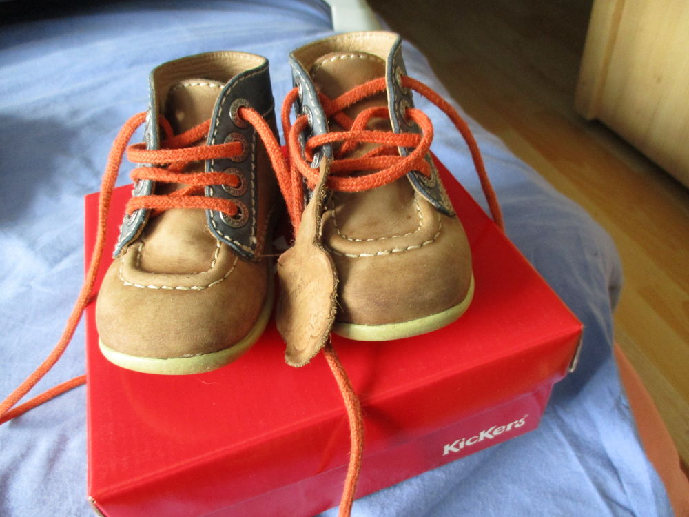 chaussures Kickers taille 20 15 Laventie (62)