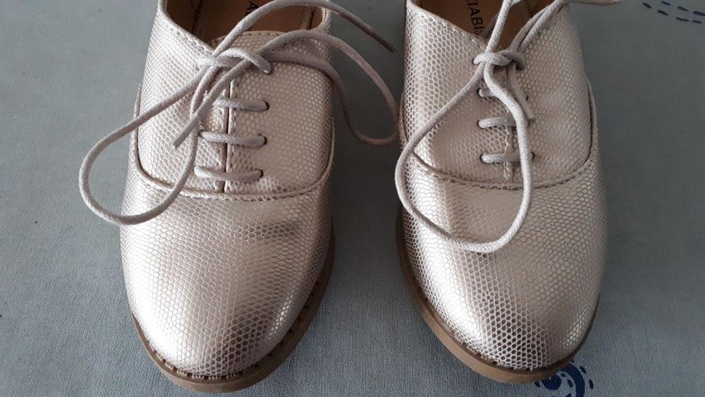 Chaussures à lacets enfant NEUVES  - 28 - 6 euros 6 Villemomble (93)