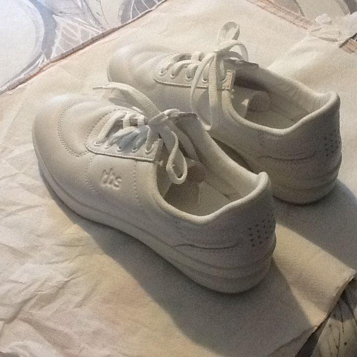 Annonce Revente Neuf Achetez Marche De Vente Chaussures À Cadeau wvYxIRxfHq