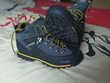 Chaussures de montagne de la marque Cunge, Chaussures