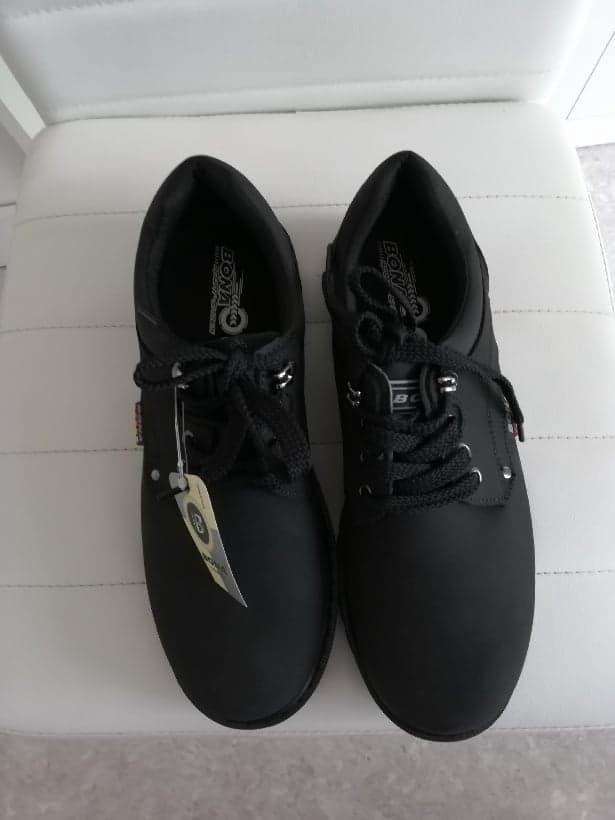 chaussures neuves pointure  42 25 Nœux-les-Mines (62)
